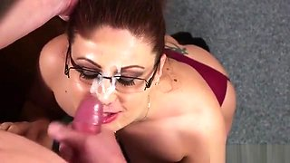 Spicy Bombshell Gets Jizz Shot On Her Face Eating All The Se