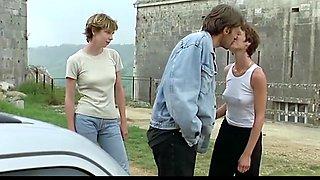 Alexia Stresi,Lou Doillon,Elise Perrier (1998)