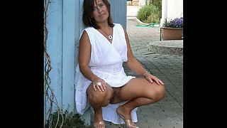 Pussy and Ass Flashing In Public!