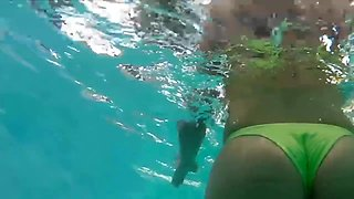 Hottest bubble butt in swimming pool