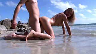 Tempting сhick with juicy boobies Ivana Branchi is fucked right on the beach