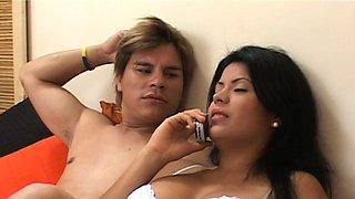 Fabulous hotties enjoy a very kinky threesome