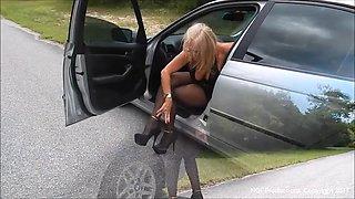 Mature slut Sofia has car trouble