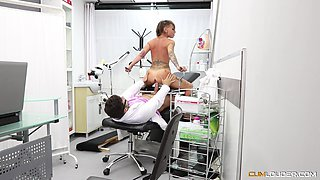 Tattooed Gina Snake seduced by a cunt craving doctor for a cunt exame