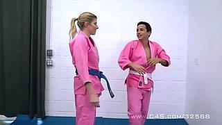 Femdom wrestling practice