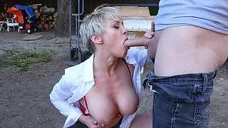 Milf Dee Williams getting fucked like never before outdoors