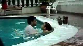 indian public in pool