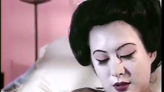 Asian sweetie Ming Lang receives cunnilingus as payment for her massage