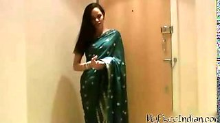 Very Sexy Desi Aunty In Saree Hindi Audio indian desi indian cumshots arab