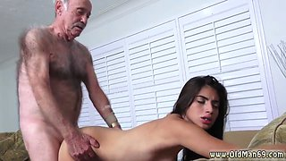 Old men gangbang blonde and big breasted lady first time Poping Pils