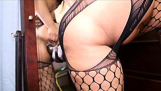 Big Ass Latin Cameltoe And Gaping Pussy Di