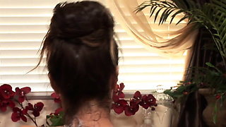 Babe sucking cock during bathroom massage