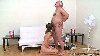 Pretty brunette chick gets her pussy licked by an old man