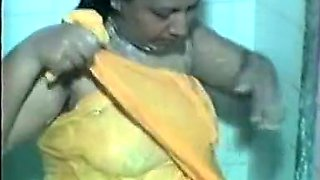 Tamil Aunty In Shower