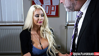 Nicolette Shea - The New Girl Episode 1