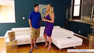 brandi love seduce  a su vecino
