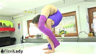 Flexible contortionist alina spandex flex