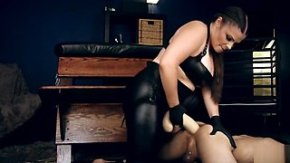 Mistress Kelle Martina fucks slave with massive strap-on