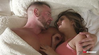 Sofie Reyez loves to fuck as soon as she opens her eyes
