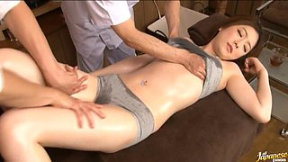 Oiled Up Ai Hineda Gets Creampied At The End Of Her Massage