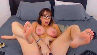 Nerdy Big Tits Chick Plays Herself Wildly