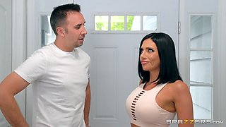 Smoking hot wife Jaclyn Taylor fucks the husband's friend in the gym