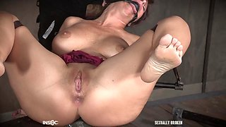 Sloppy throat fuck and abuse for brunette mature MILF Syren De Mer