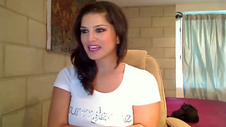 Sunnyleone.com - Sunny Leone solo on Webcam [Rare Video]
