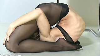 Flexible gymnast tatiana armchair 1080p
