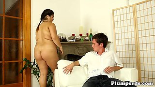 BBW cougar seduces younger guy