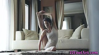 yoga babe feet spunked