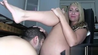 Mistress Kandy- offise licking