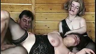 mature midgets in a threesome