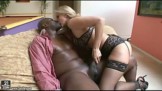 Black brutal stud doggy fucks blond curvy hooker Julia Ann hard