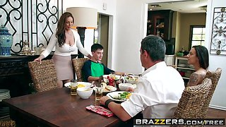 Brazzers - Milfs Like it Big - Kendras Thanksgiving Stuffing