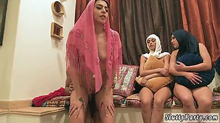 patrons daughters gets fucked in kitchen Hot arab girls attempt foursome
