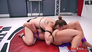 917 Muscled Sluts Bella and Brendi Wrestling