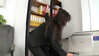 HOT BRUNETTE SECRETARY ANGELICA BLACK GETS OFFICE ACTION
