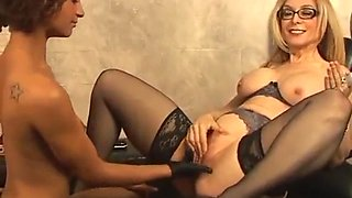 Nina teaches a young woman about sex