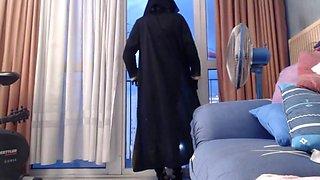 Exhibe niqab devant un grutier