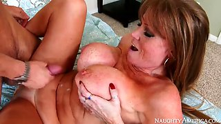 Darla crane fucking in the bed with her innie pussy