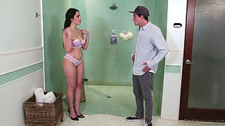 Attractive Italian hottie Valentina Nappi gives a nuru massage and gets her pussy banged