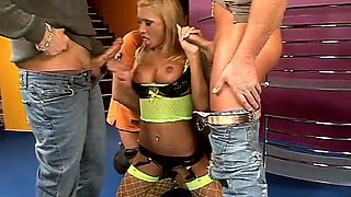 Juicy blond angel Lisa gets nailed by three