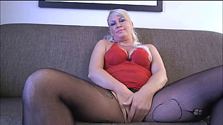MILF CRAVES TO BE USED