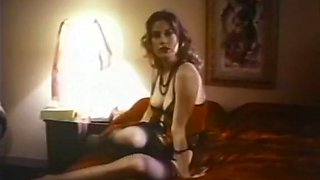 Curvy retro hoe with thick ass ardently rides her client on top