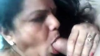 Desi- facial is received by mature aunty