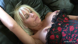 SEXY BLONDE MATURE IN BLACK STOCKINGS FUCKED