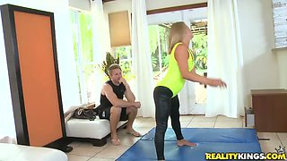 Tanned Allura Skye shakes her ass and gets fucked hard
