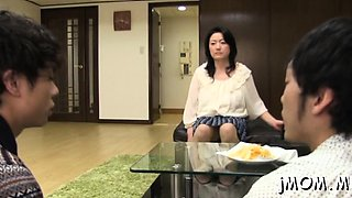 Sassy Yuna Shiina enjoys an extreme action