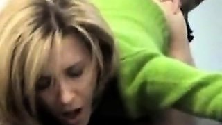 Secretary fucked by her boss to earn a promotion